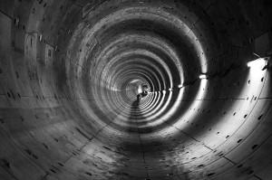 tunnel-353597_640